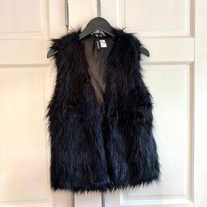 NWOT H&M Black Faux Fur Vest